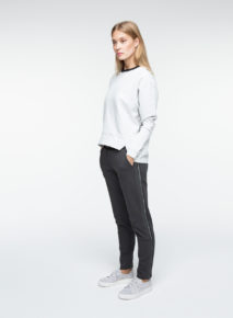 Habits_Yaya_Sweater_CutOut_Hem_F01